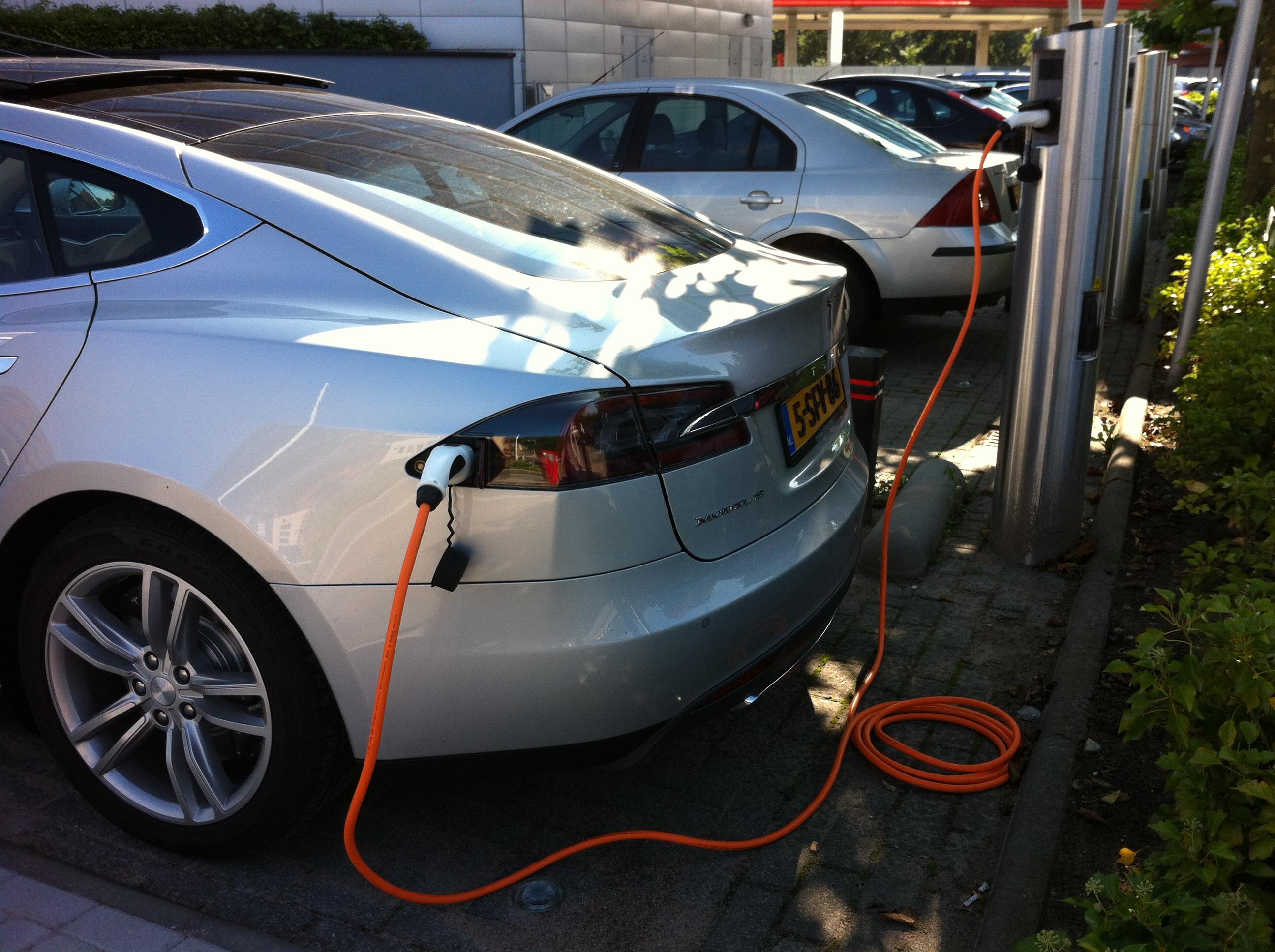 Onze diensten for Auto interieur reinigen den haag