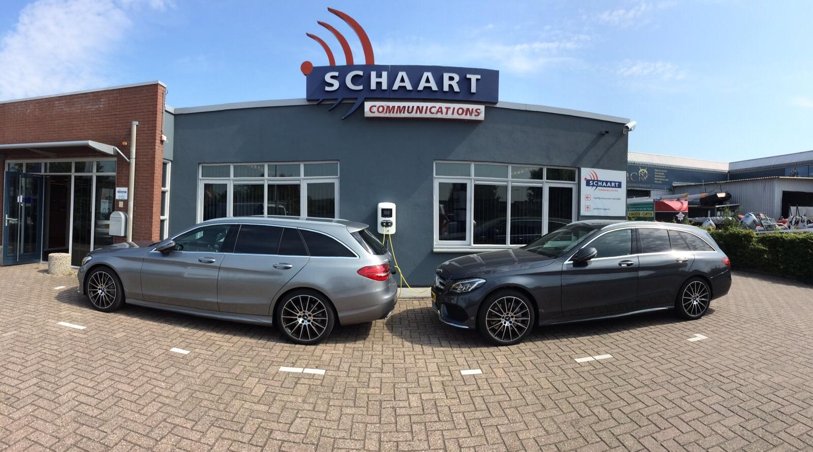 Vanleeuwenoplaad.nl installeerde het oplaadpunt voor elektrische autos bij Schaart